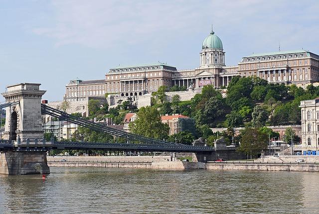 Maďarský jazyk - Akadémia vzdelávania Zvolen