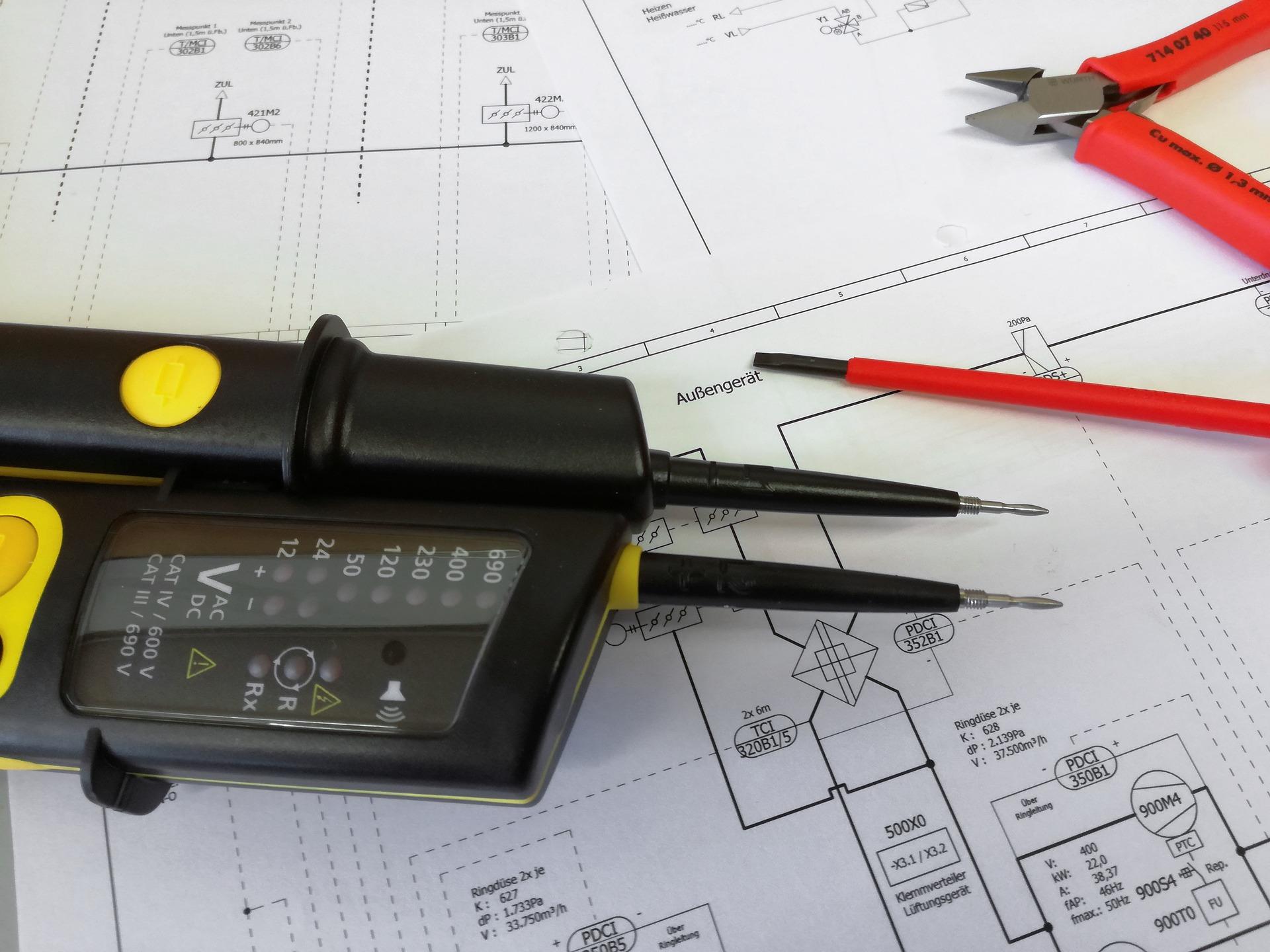 Aktualizačná odborná prísprava elektrotechnikov §21, §22, §23, §24